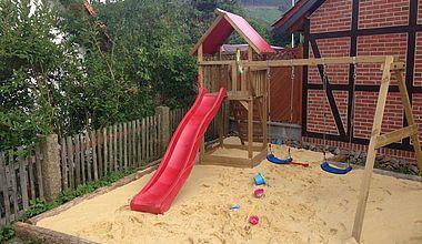 Spielplatz Kinder Ferienwohnung Stahl