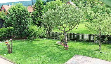 Ferienhaus Bollmann Gartenansicht von oben in Ilsenburg